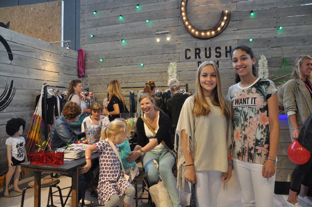 Bij Crush Denim mochten we de modellen op de stand fotograferen die de nieuwe collectie dragen (maar niet de rekken). Is ook veel leuker om de kleding aan te zien natuurlijk, dank voor het poseren meiden!