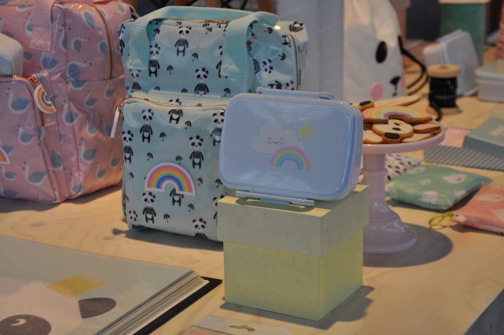 Regenbogen! Love it deze items van Eef Lillemor.