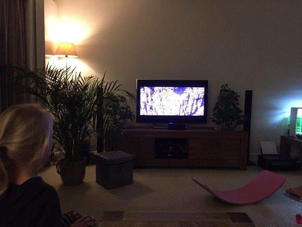 tv avondje met het gezin