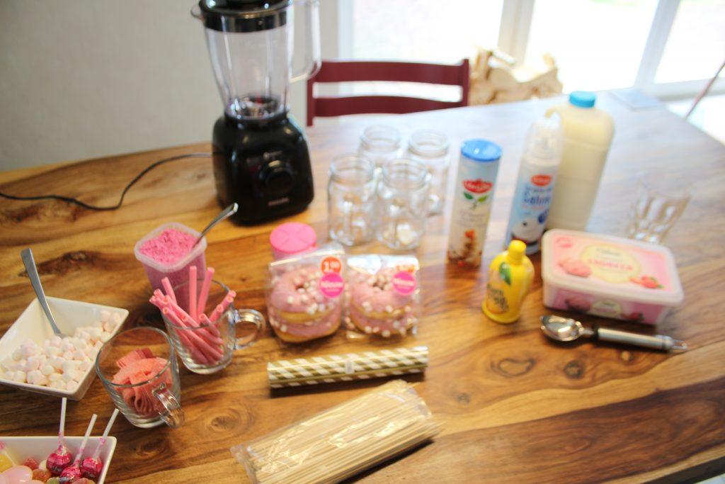 Roze freakshake maken
