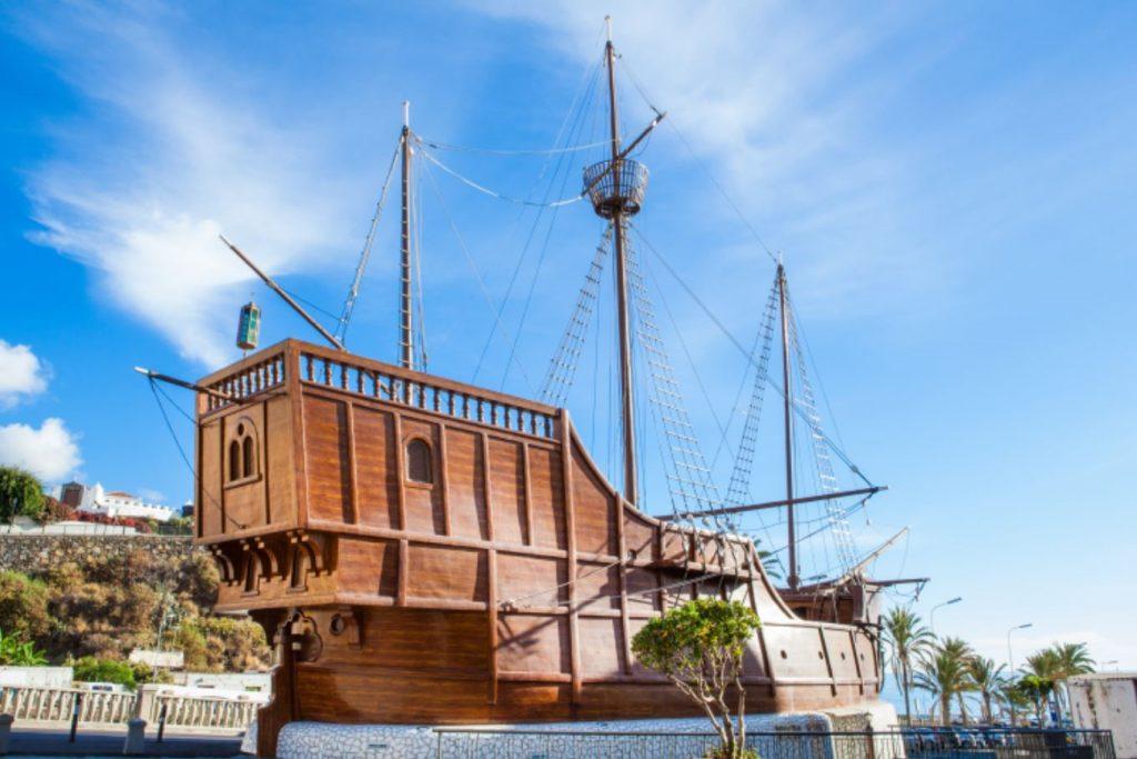 Museo Naval & Barco de la Virgen